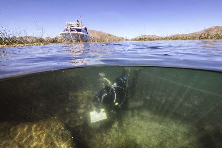 В озере Титикака нашли древние дары богам