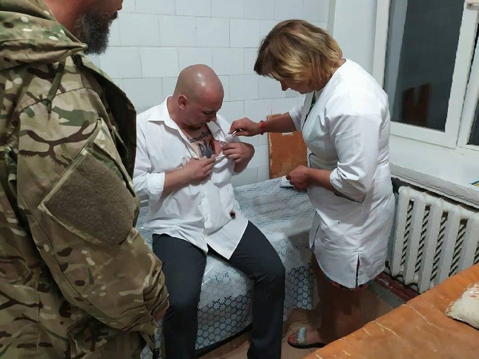В Хмельницкой области на кандидата в нардепы напали с ножом
