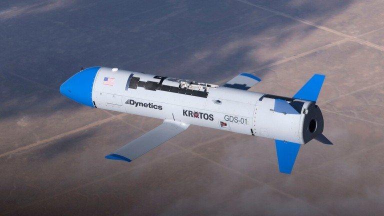 США тестируют беспилотники, которые будут запускать и собирать прямиком...