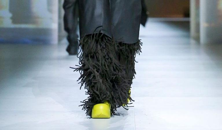 Бренд Bottega Veneta представил биоразлагаемую обувь