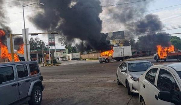 """Бои на севере Мексики: полиция арестовала сына наркобарона """"Эль Чапо"""" и..."""