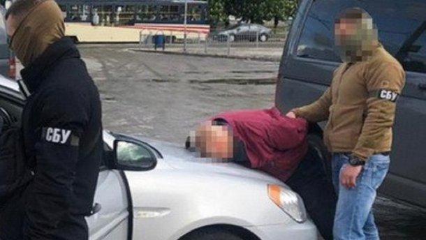 Суд освободил из-под стражи украинского офицера, подозреваемого в работе...