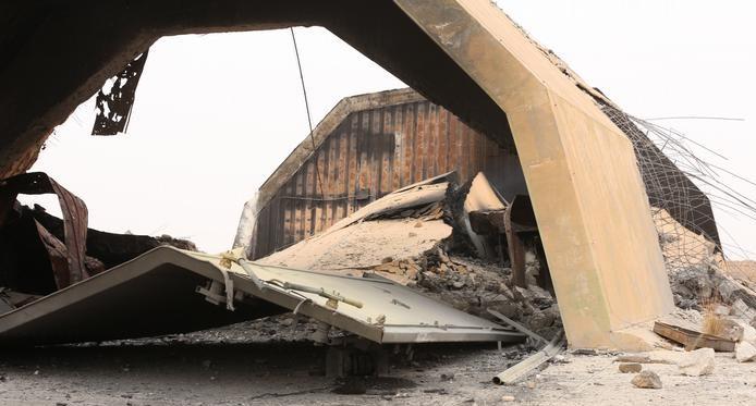 В Ливии неизвестные самолеты атаковали правительственную авиабазу