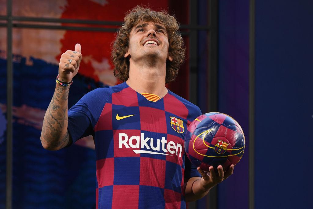"""Барселону"" отштрафовали на 300 евро за трансфер Гризманна. Клуб сэконом..."