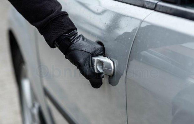 Из авто в Тернополе похитили почти 2,5 млн грн