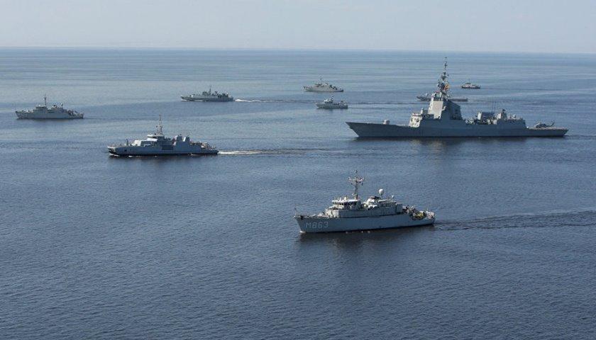 Россия сосредоточила армаду кораблей у берегов Сирии