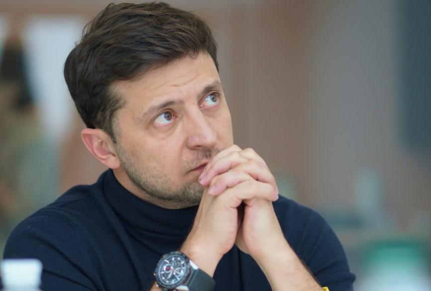 Зеленский обязал депутата найти 175 млн грн на строительство дорог в сел...