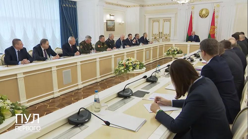 """""""Замысел был типа Одессы"""". Лукашенко заявил, что в Минске собирались сже..."""