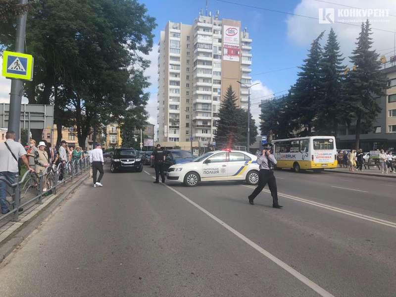 Луцкий террорист выбросил из окна автобуса боевую гранату