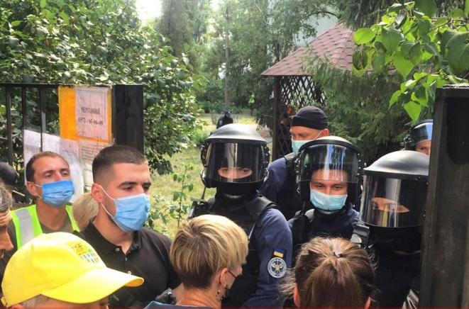 Обстрел автобуса под Харьковом: суд избрал меру пресечения первому напад...