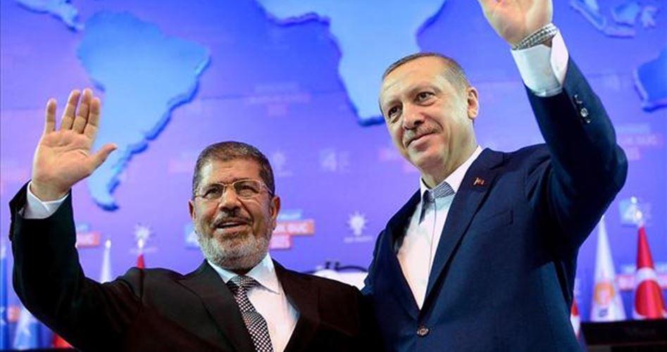 """Эрдоган считает умершего экс-президента Египта """"мучеником"""""""