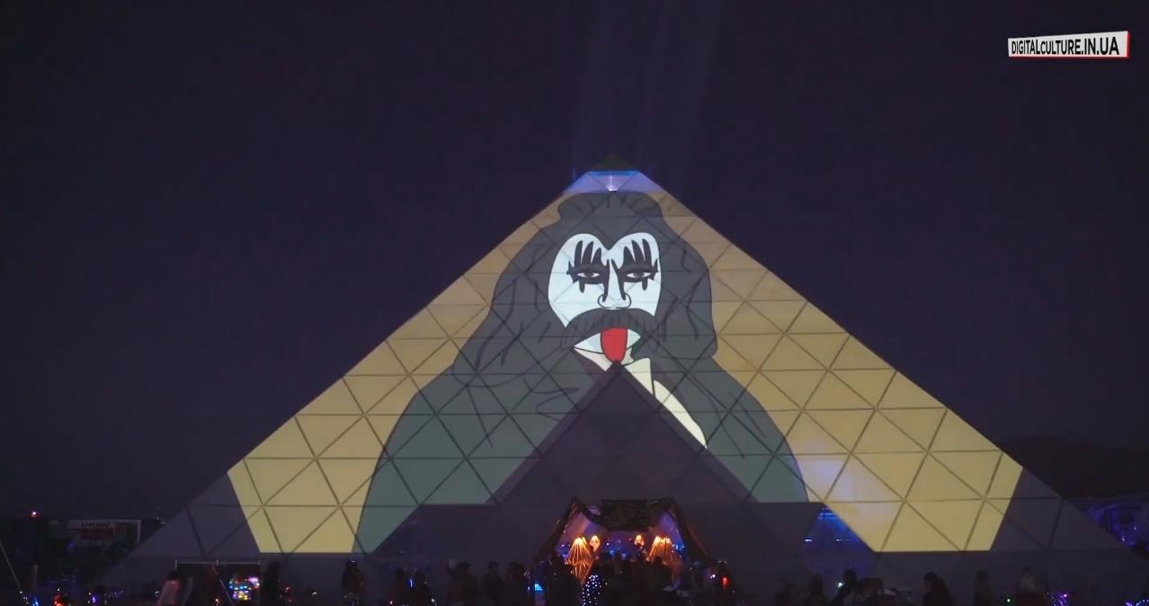 Работы украинских художников показали на фестивале Burning Man