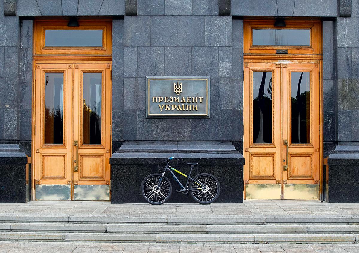 Тяга к перемене мест. Чем обернется для киевлян желание президента перее...