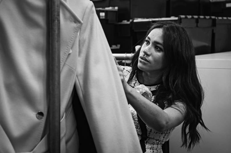 Неподходящий наряд: Меган Маркл выбрала Gucci для работы в благотворител...