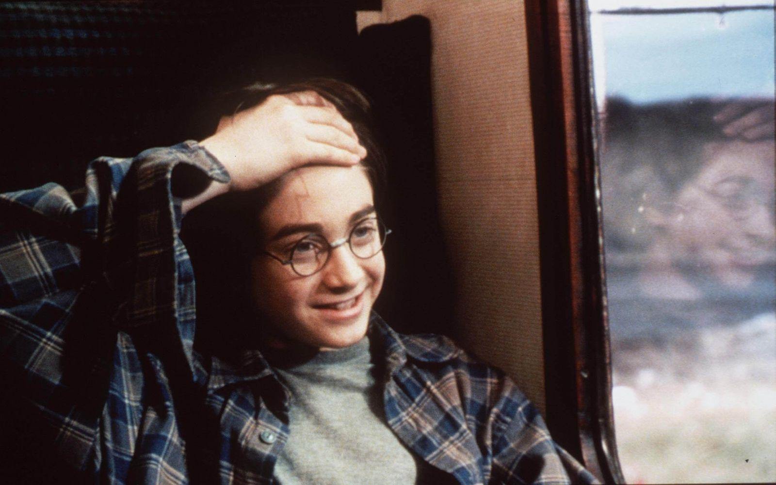 Гарри Поттеру исполнилось 40. Топ-6 интересных фактов о персонаже Джоан...