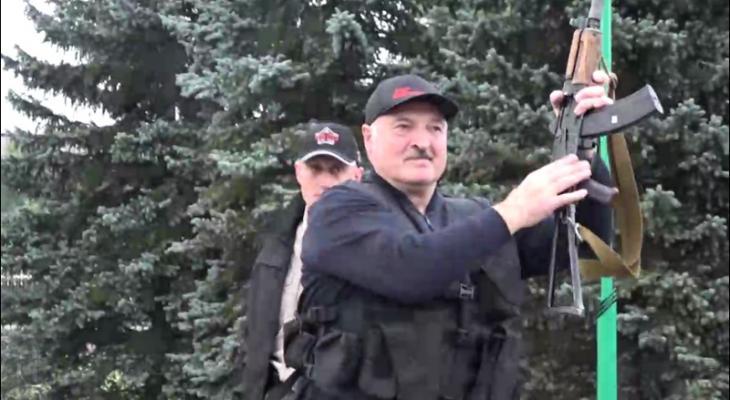 """""""С космоса, сволочи, видят же все"""": Лукашенко обвинил США в слежке"""