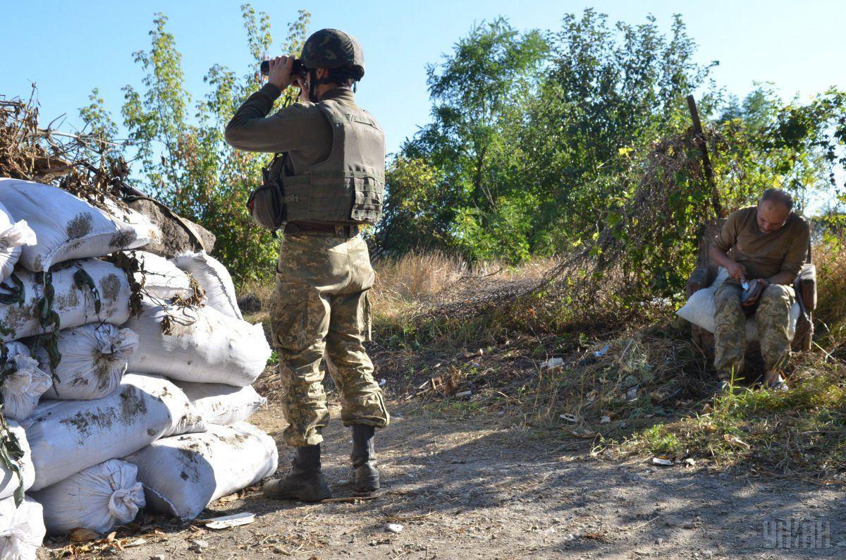 Боевики обстреляли из минометов наших военных под Троицким