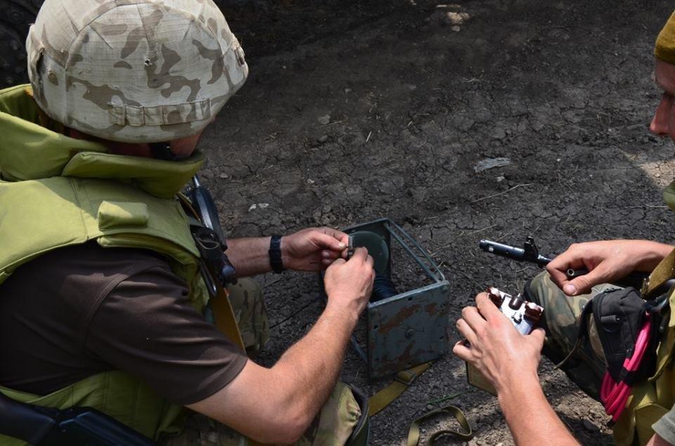 """Боевики """"ЛНР"""" отказались разминировать южную часть Золотого, – ОБСЕ"""