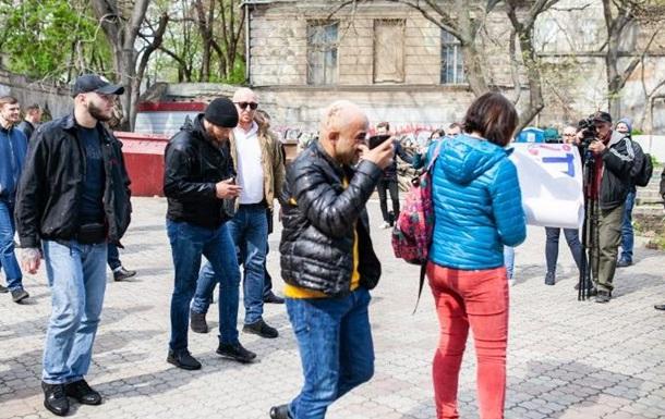 Мустафу Найема в Одессе облили нечистотами