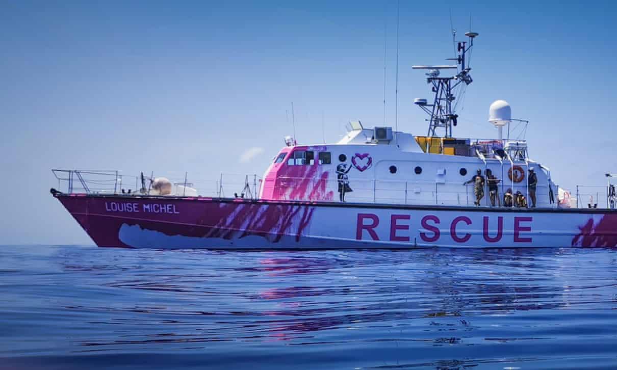 Бэнкси купил корабль, чтобы спасать мигрантов, которые пытаются добратьс...