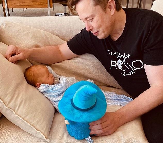 Илон Маск и Граймс сменили имя новорожденного сына, но оно все равно ост...