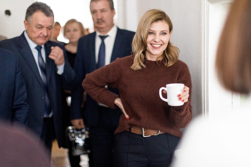 Два образа за два дня: Елена Зеленская посетила школу и музей