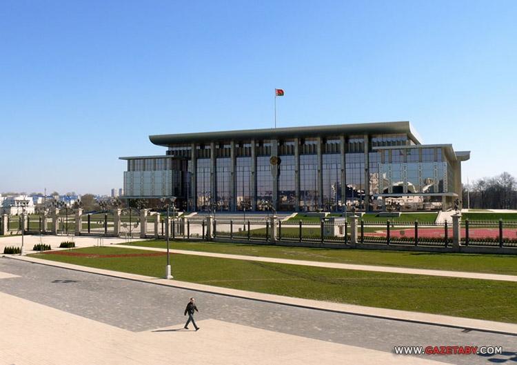 Саботаж в госСМИ: слова Лукашенко о строительных приоритетах сопроводили...