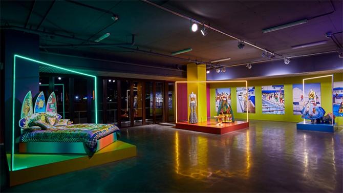 Табуреты Miu Miu и стеллажи Louis Vuitton. В Майами прошла крупнейшая яр...
