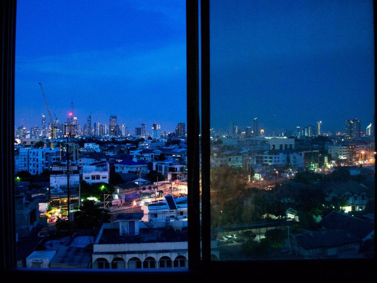красивый вид из окна картинки ночью