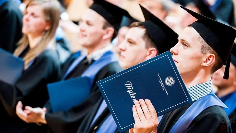 Россия зовет своих студентов из Британии закончить обучение в Москве