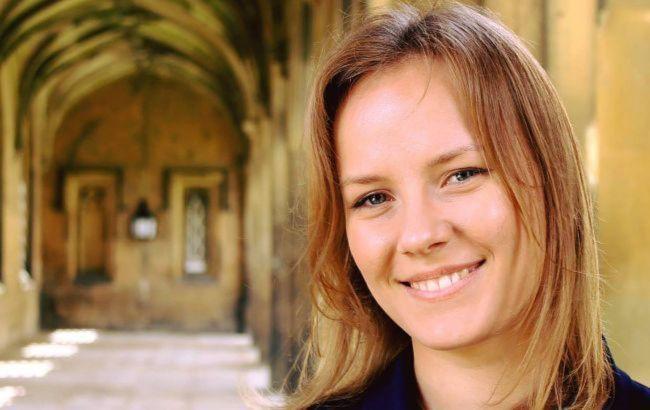 Жена экс-министра обороны займет место Вакарчука в Раде