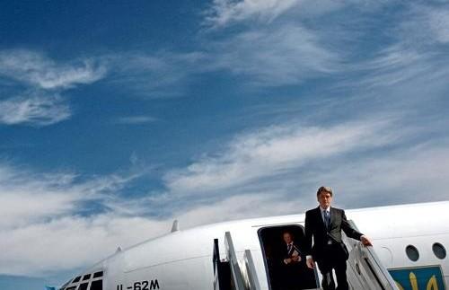 Самолет Ющенко не смог взлететь в Дубаи