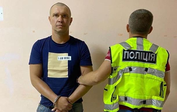 """В поезде """"Киев-Мариуполь"""" уголовник пытался изнасиловать женщину, котора..."""