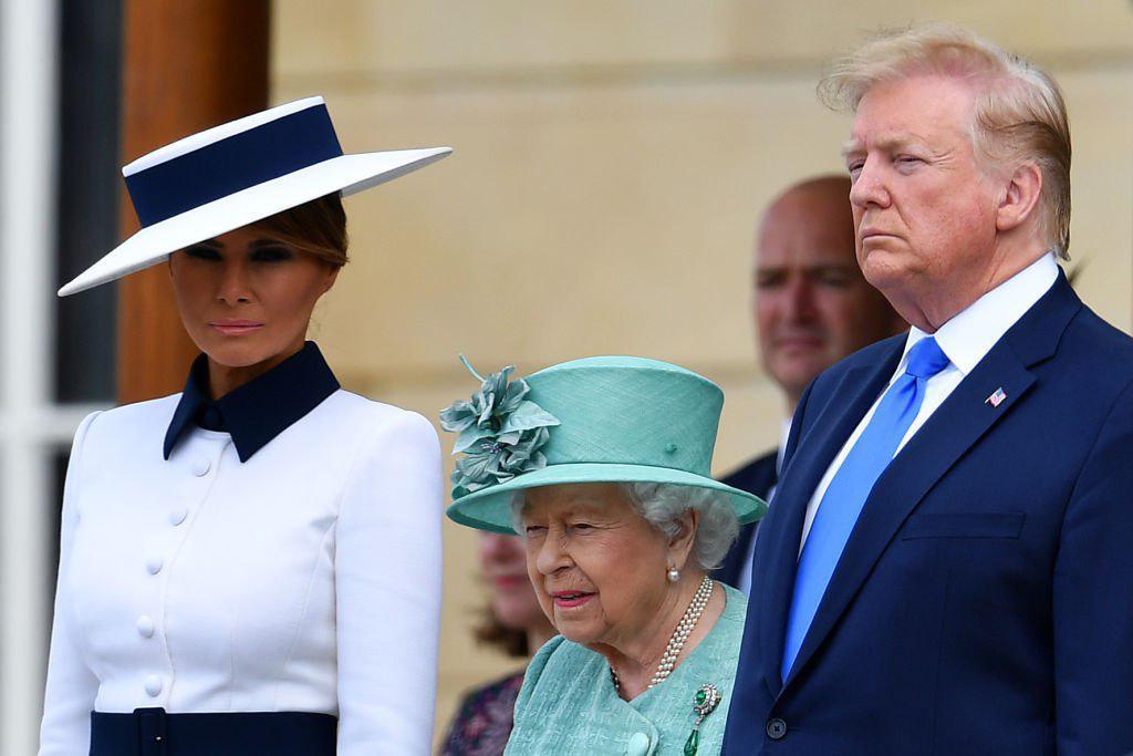 Елизавета II преподнесла Дональду и Мелании Трампам королевские подарки