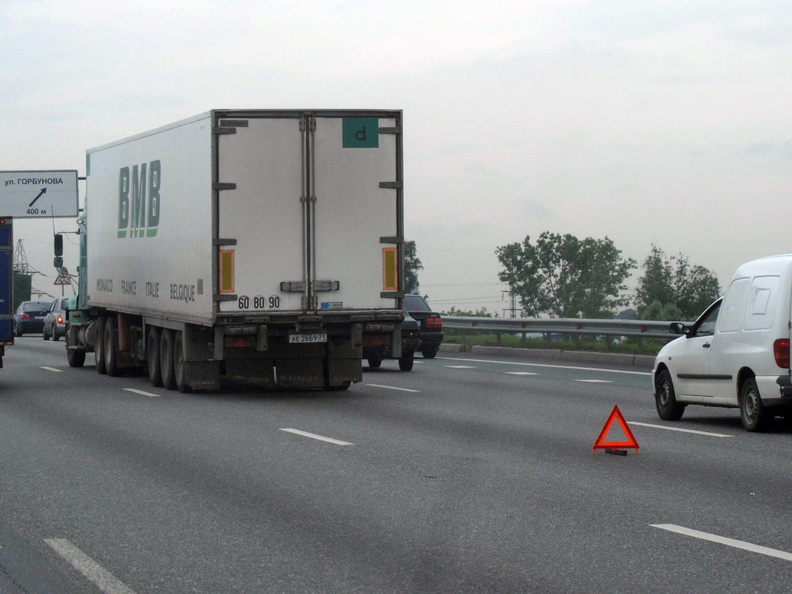 Из-за жары в Киеве запретят движение грузовиков в дневное время