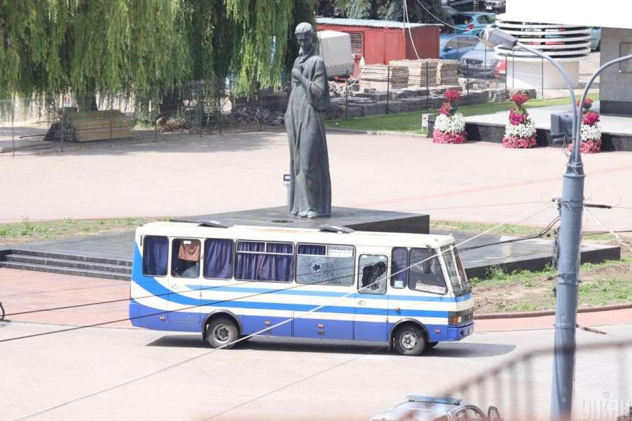 Аваков исключил связь между захватом заложников в Луцке и взрывами в Кие...