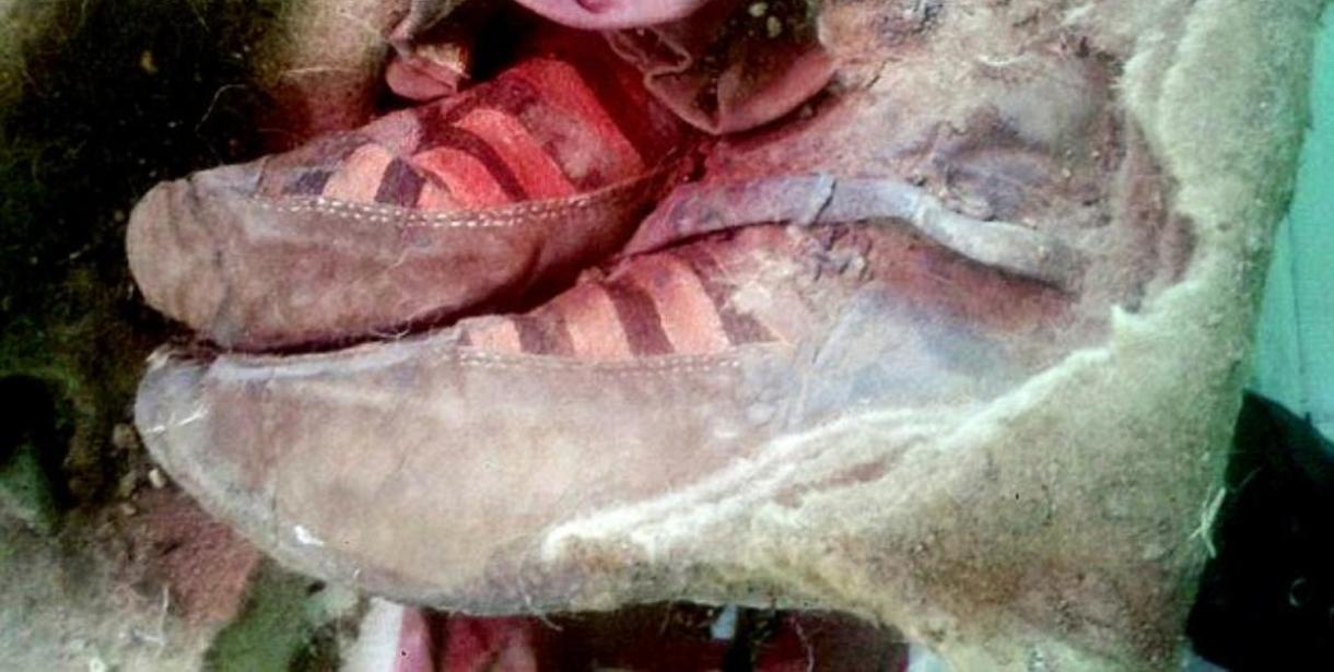 """На Алтае нашли полуторатысячелетнюю мумию """"в кроссовках"""""""