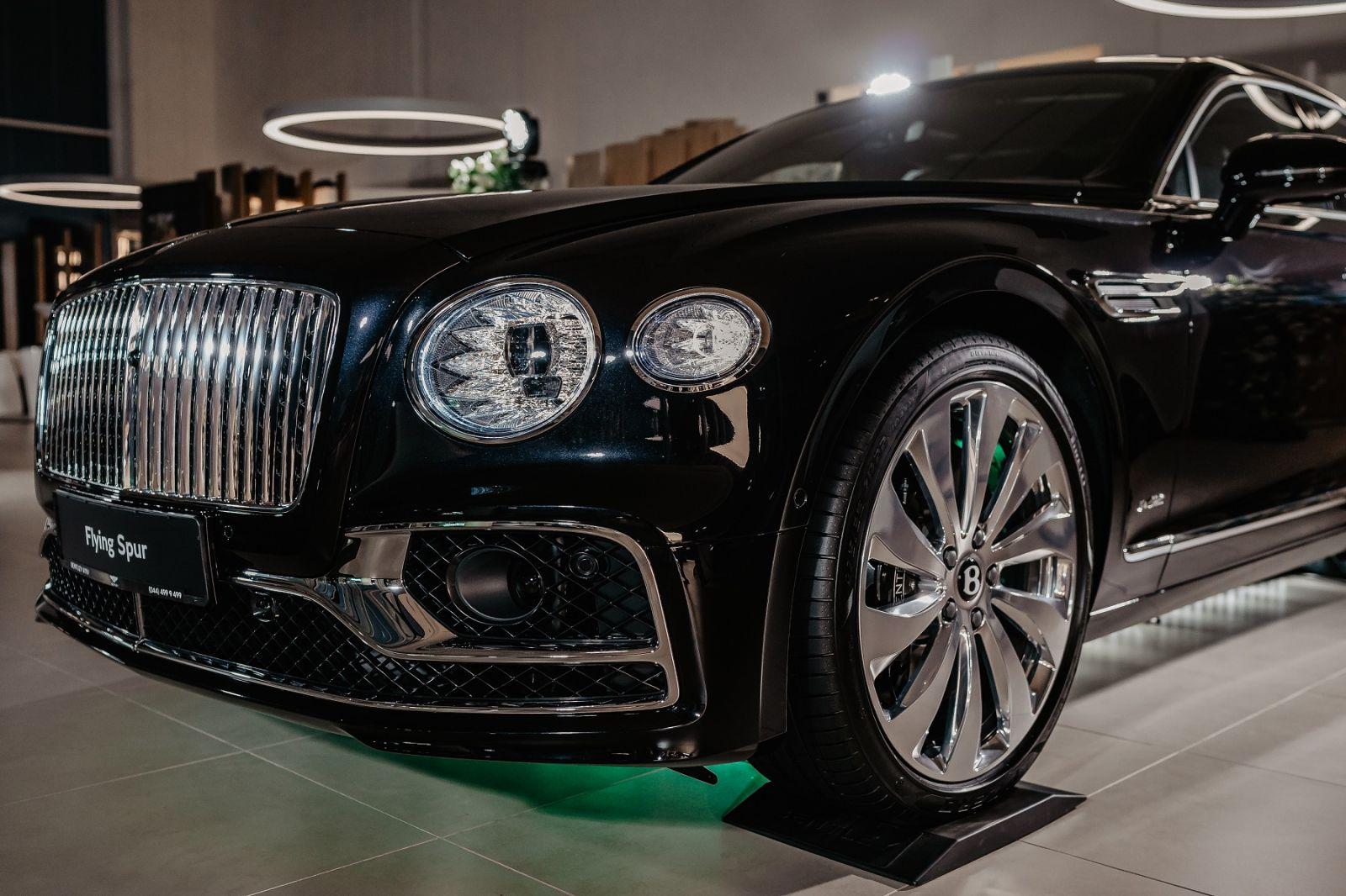 Bentley Flying Spur презентовали в Украине. Сколько стоит новый флагман...