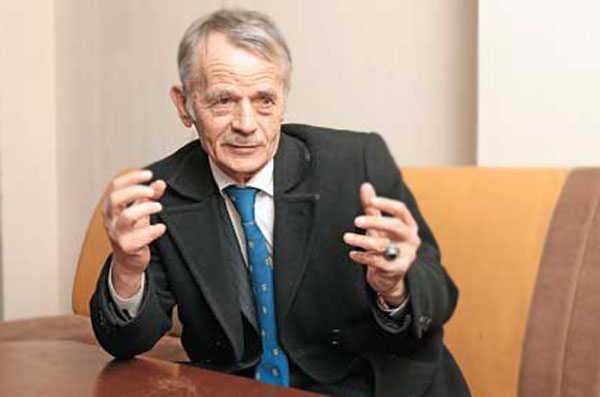 Джемилев призвал к блокаде Крыма