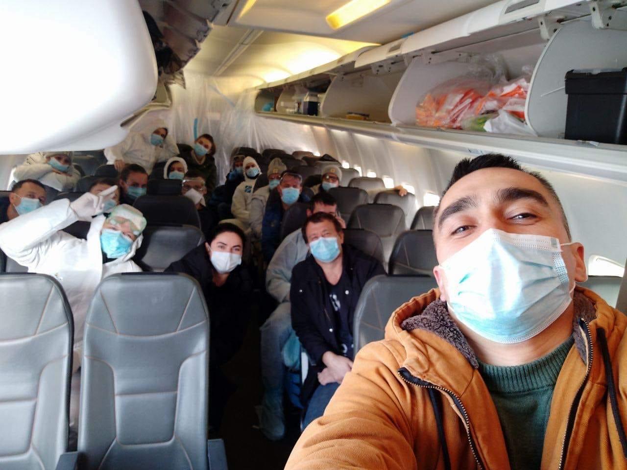 Эвакуированные из Уханя украинцы отправились в Новые Санжары