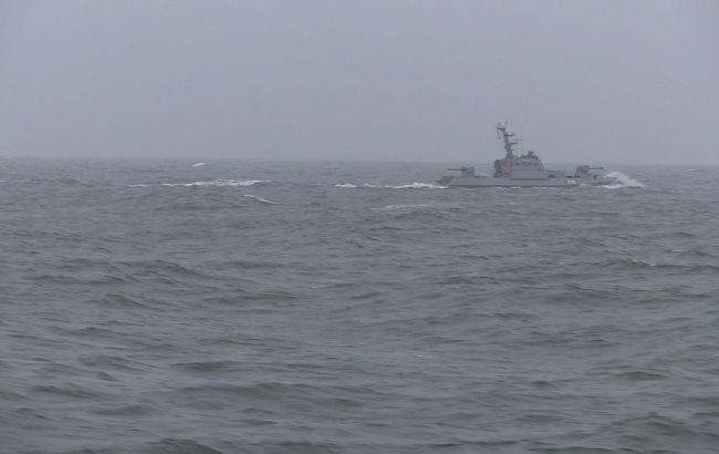 Корабли ВМС Украины провели учебные стрельбы в Азовском море