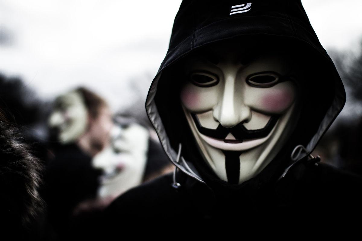 Facebook стал торговой площадкой для кибер-преступников, – исследование