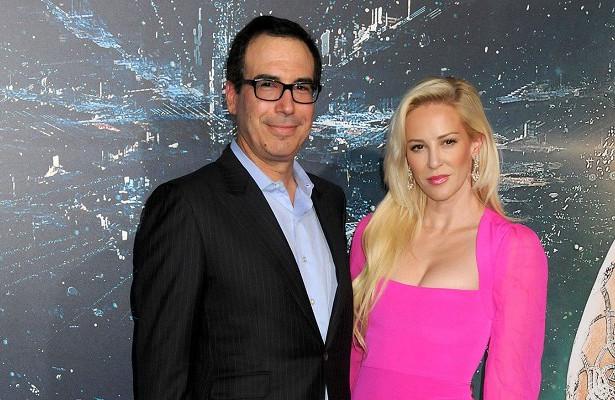 Жена министра финансов США поддержала Грету Тунберг после нападок мужа