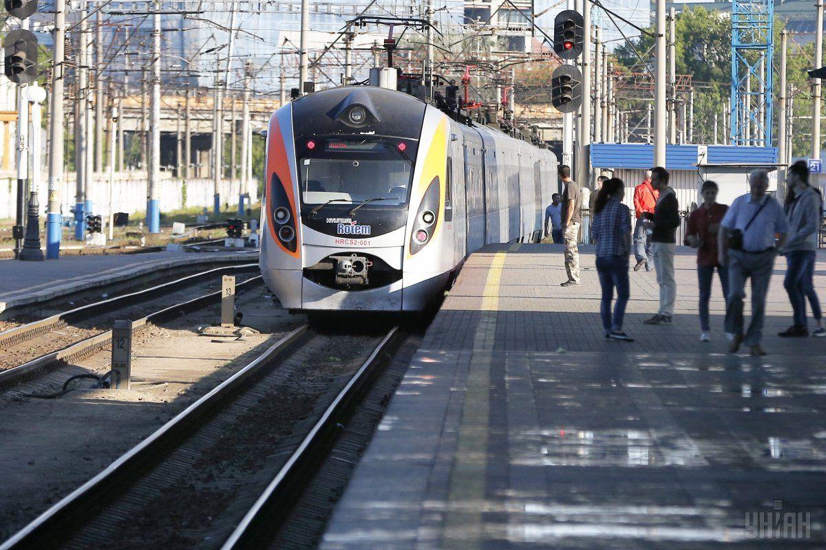 Укрзализныця назначила два дополнительных поезда на новогодние праздники