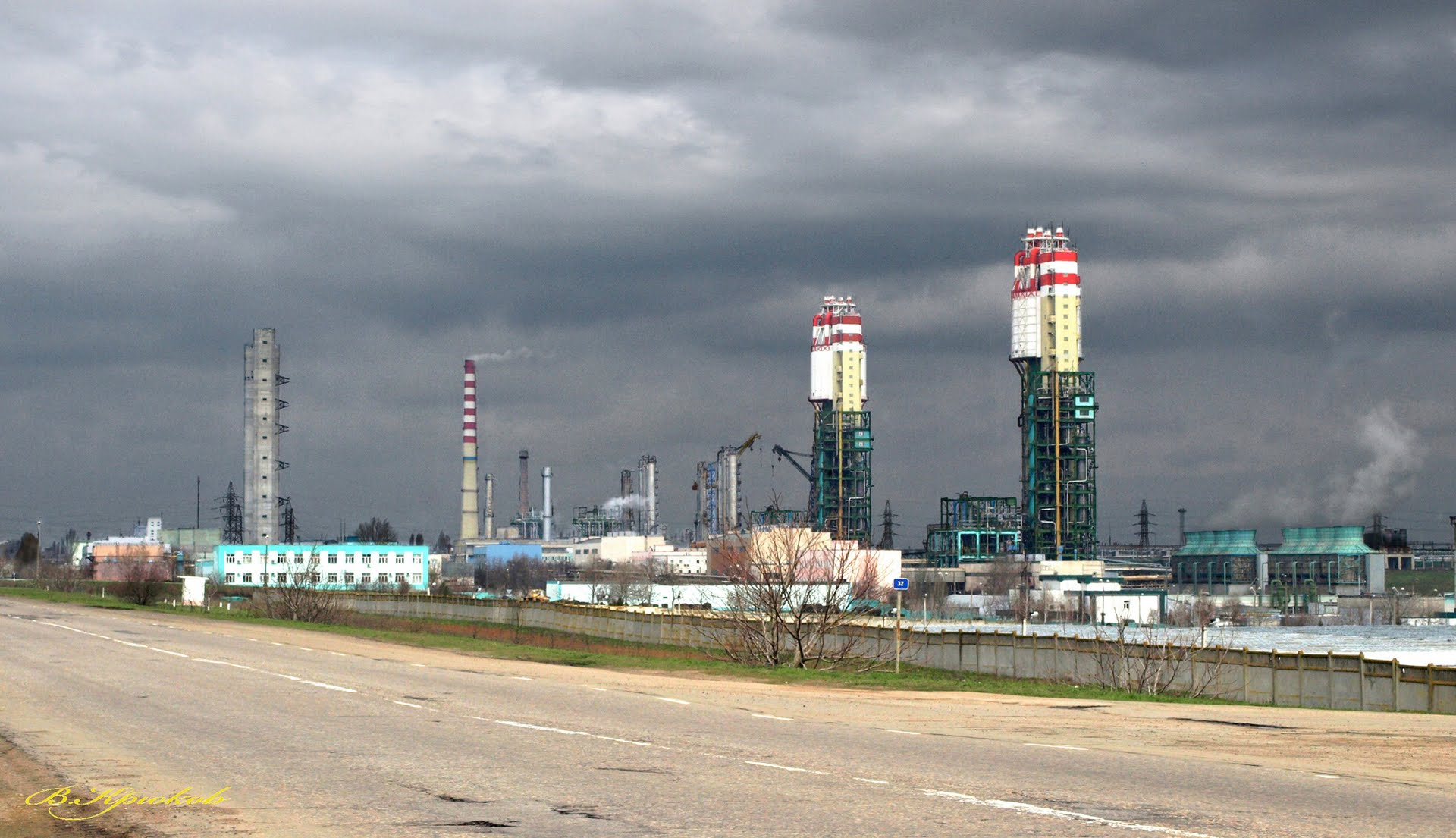 Одесский припортовый завод приостановил производство