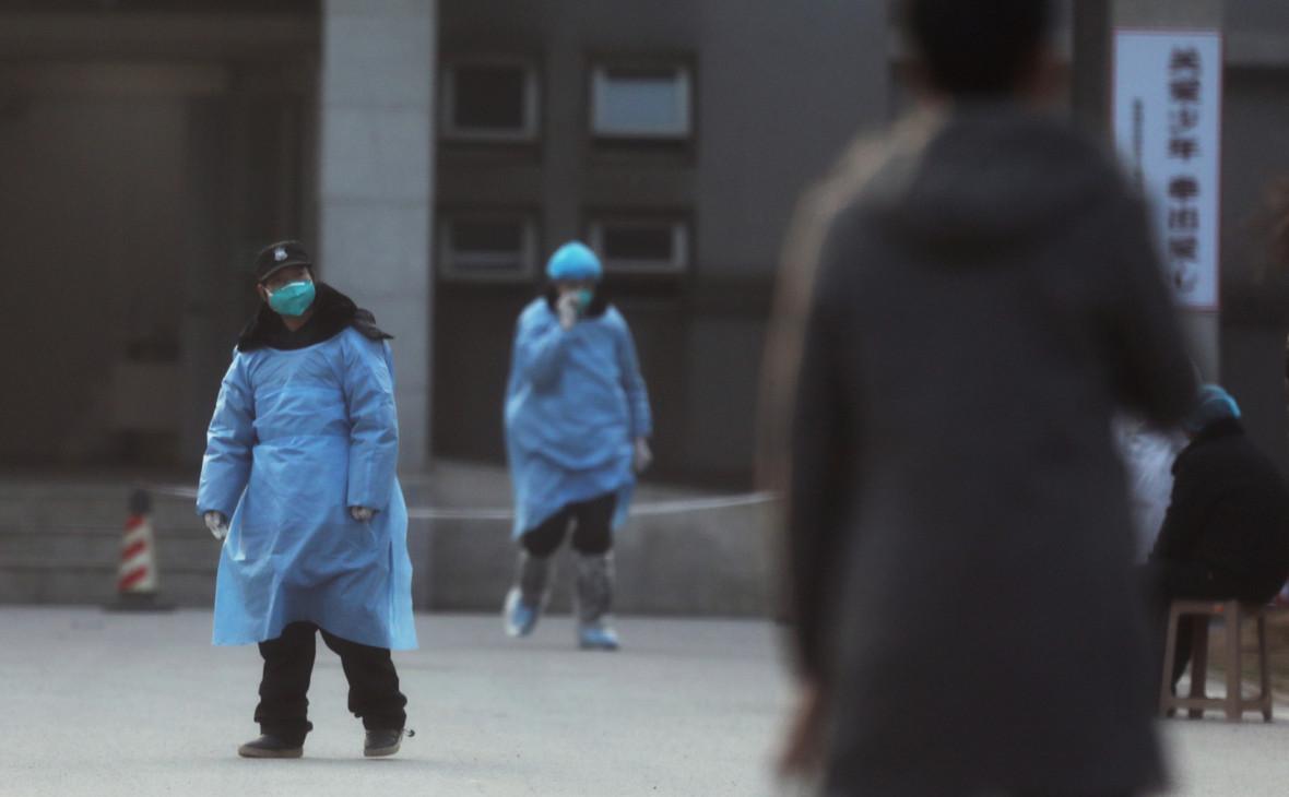 Помогла традиционная медицина. В Пекине вылечили двух человек от коронав...