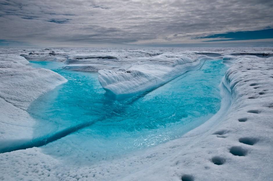 От Гренландии откололся ледник размером с Париж и уплыл в Арктику