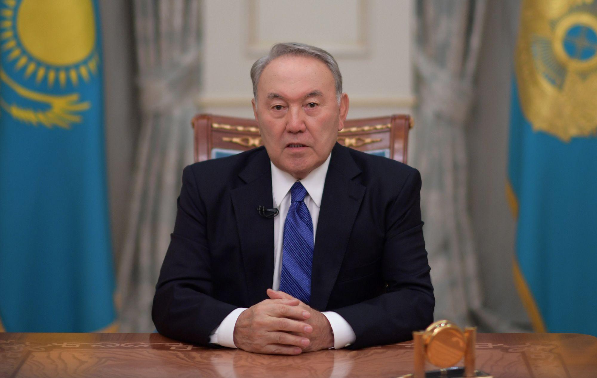 Назарбаев призвал Украину и Россию к миру