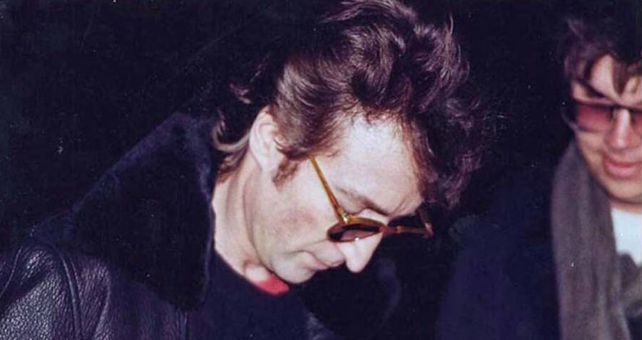 """""""Я заслуживаю смертной казни"""": убийца Джона Леннона извинился перед Йоко..."""