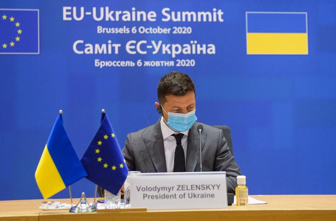 Зеленский посоветовал не верить привившимся российской вакциной политика...